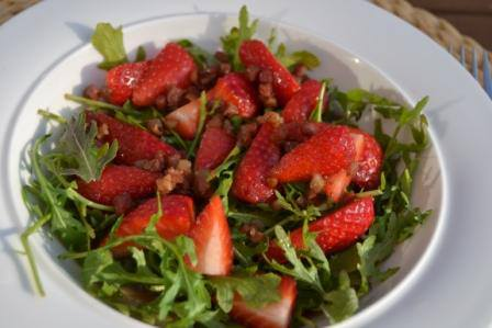 Erdbeer-Ruccola-Salat