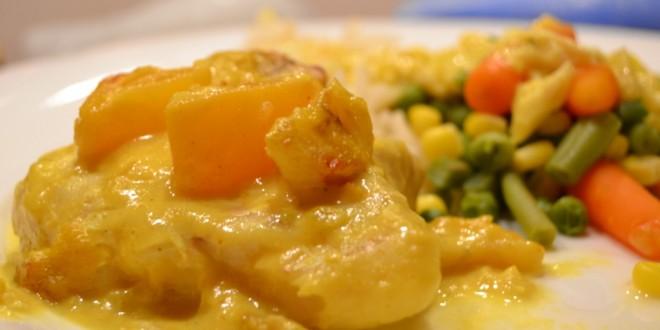 Kabeljau in fruchtiger Currysoße