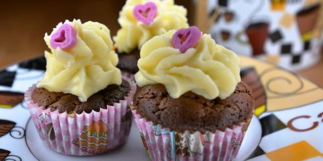 Minicupcakes mit weißer Schokolade